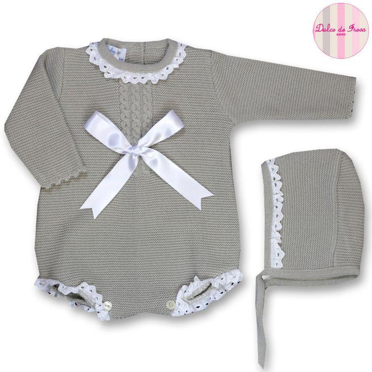 Ranita de lana con puntilla y lazo de raso XX