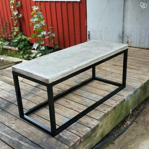 Vardagsrumsbord med egna mått.  1600:-   Matbord mer egna mått. 3000:-   Jag tillverkar allt inom trä o betong. Måttbeställda möbler efter egen design.  Vi gör även hyllor gjorde utav rördelar. Har ni frågor så är det bara skriva.   Ni kan jättegärna...