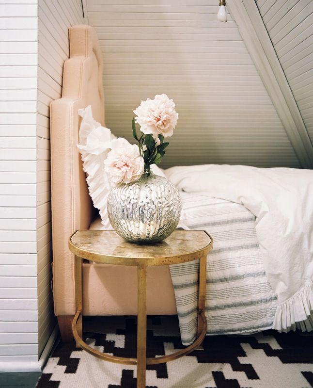 White bedroom with black u0026 white geometric
