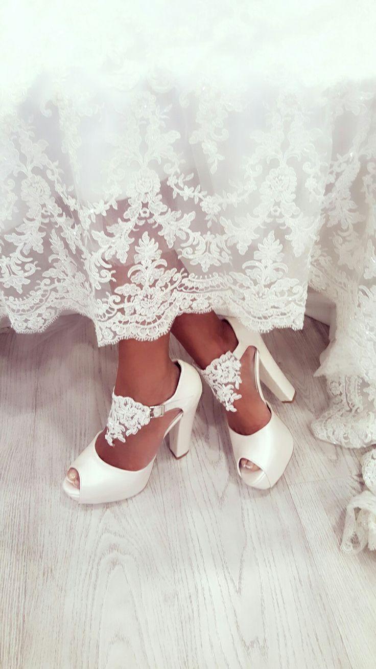 En rahat tasarım ayakkabılar için iletişime geçebilirsiniz ve www.esmasimsek.com sayfasını ziyaret edebilirsiniz sevgiler instagram hesabimiz esmasimsekdesign
