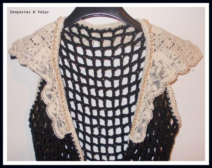 cuello de broderie con perlas fantasía