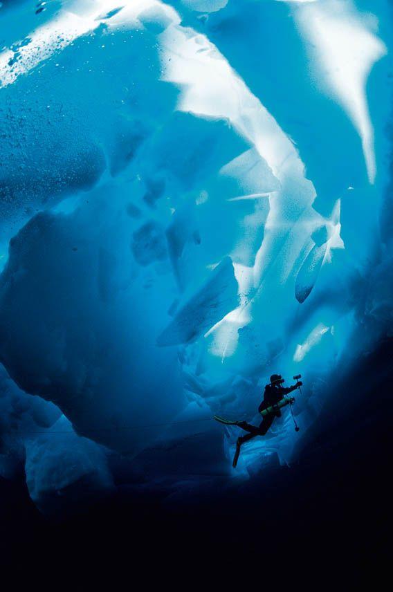 Deep Sea Under The Pole by Rolex 2010 copyright rolex http://lovetime.fr/2013/04/17/rolex-story-la-submariner-cette-legende/