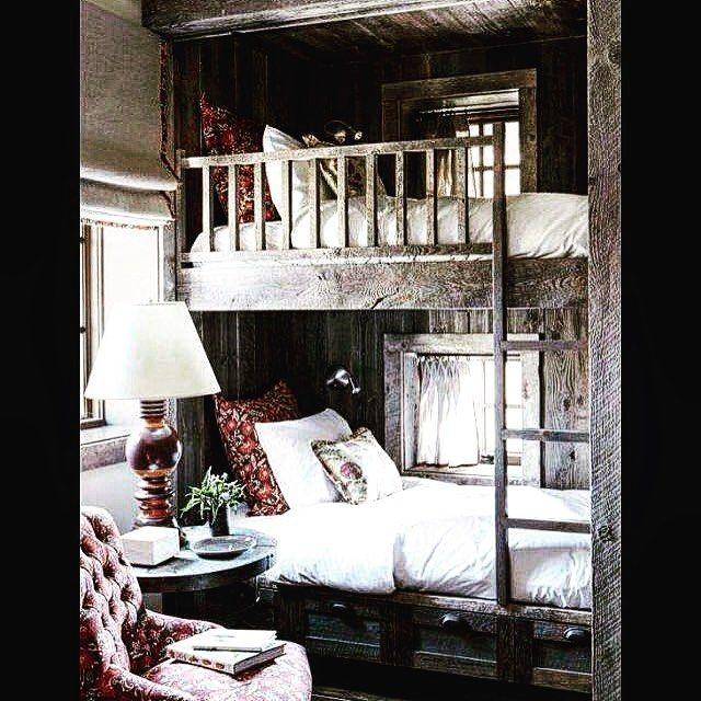 #дизайндома с интерьером из состаренной сосны совсем не Икеа) #двухъярусная кровать смотрится очень привлекательно из за белоснежных подушек создающих цветовой контраст #дизайндома для Вас в любом исполнении#построим маленький домстроительство и ремонт 89857770333 by compactstroy