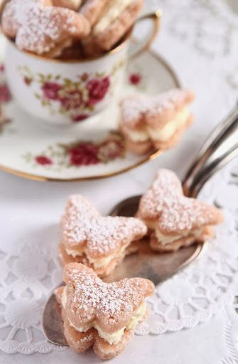 Butterfly Shaped Tea Sandwiches | Tea Time | Pinterest)