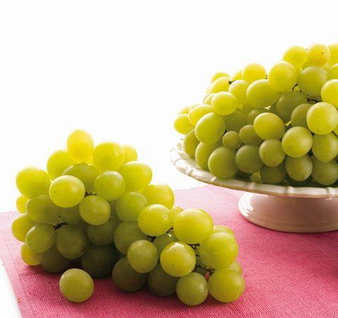 Nuo ihanat viiniköynnöskasvien hedelmät! Tutustu viinirypäleeseen ja inspiroidu maukkaista resepteistämme.