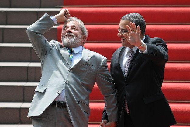Com o presidente de El Salvador...