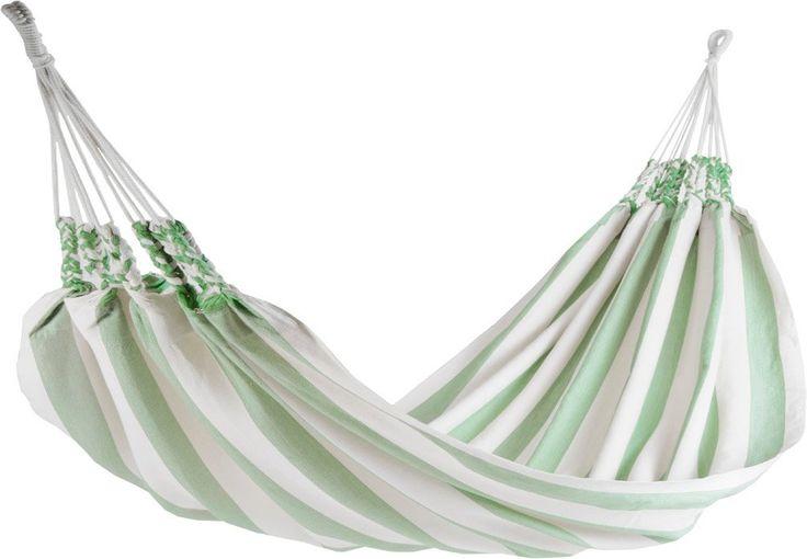 Naya Nayon Cool Summer 1-persoons hangmat  Comfortabele hangmat in zachte kleuren Net als alle hangmatten van Naya Nayon is de Cool Summer gemaakt door Otavalo-indianen uit Ecuador. Zij hebben deze 1-persoons hangmat daar geweven van katoen (80%) en acryl (20%) en geverfd in prachtige zachte kleuren. Doordat de stof dik geweven is is deze bijzonder slijtvast. Hierdoor gaat deze comfortabele en zachte hangmat jarenlang mee. Tijdens de zomermaanden kunt u lekker liggen luieren in deze…