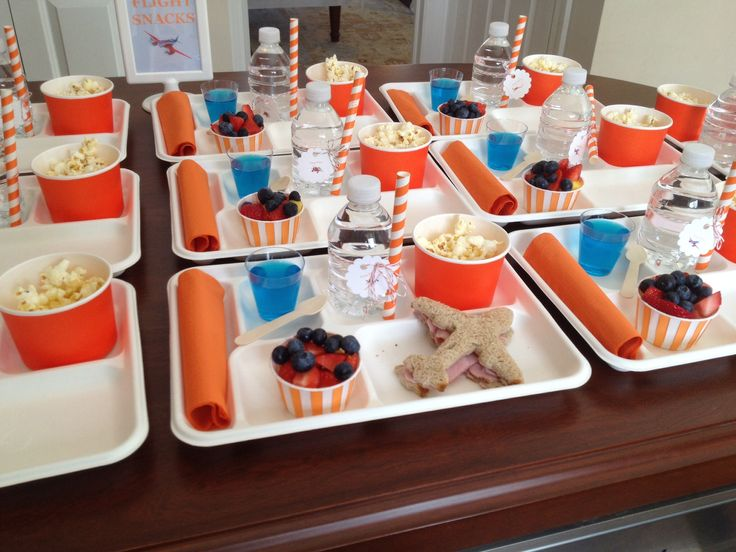 Airplane food trays via my classic party
