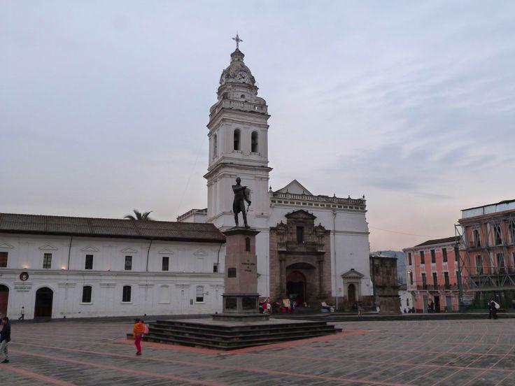 The square and church of Santo Domingo, #Quito #Ecuador