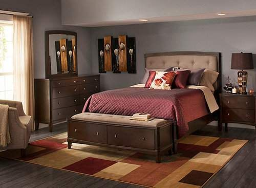If you're looking for traditional furniture with a more relaxed feel, the Freeport 4-piece king bedroom set is sure to please. It features a merlot finish and button tufting on the padded, fabric headboard for classic appeal as well as contemporary lines and curved drawer fronts for a modern touch.