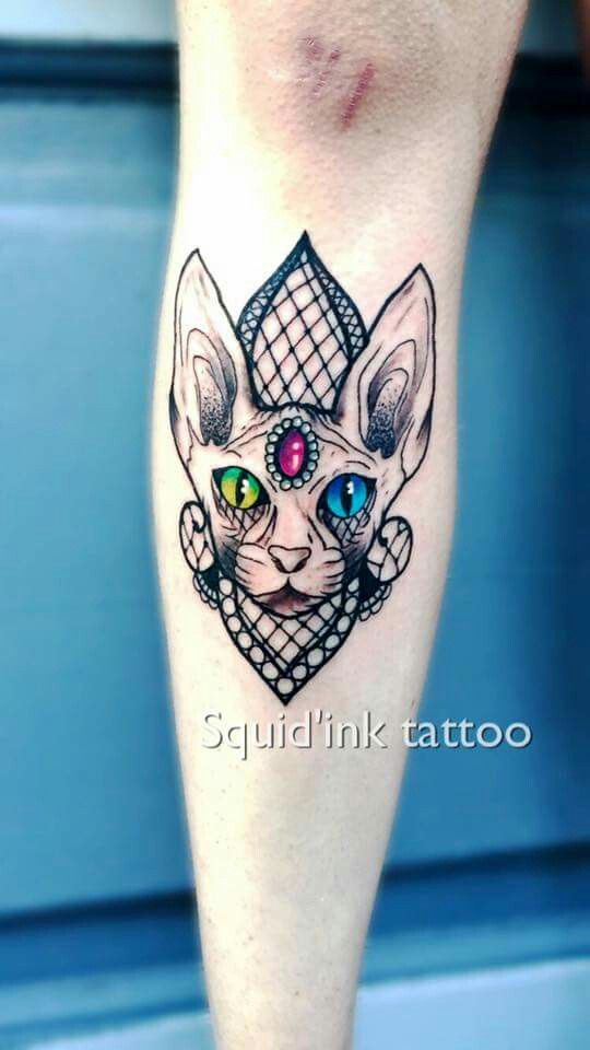 Tatouage tibia by Squidink Tattoo, France (59)