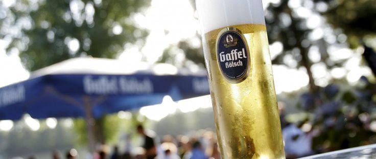 Kölsch ist ein Bier das viele Geschmacksrichtungen gibt. Dieses Linke hat eine Liste von die Beste Kölsch Bier.