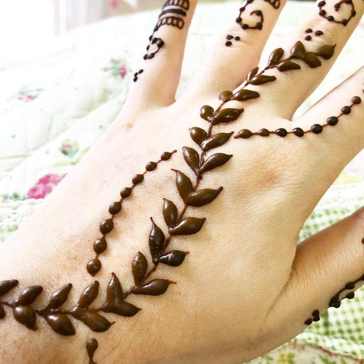 Close-up! #henna #hennasg #hennadesign #hennaart #floral #mehndi #mehendi #inai #inaisg #mandala #mandalaart #mandalahenna  #hennartist #raya #hennatattoo #eid #hennagram #wedding #love #picoftheday #art #design #hennalove #hennainspire #hennahands #hennartistsg #hennamandala #singapore #sg