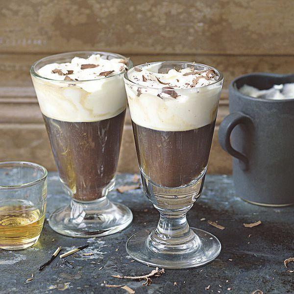 Unser Rezept für Kaffee mit Schuss. Ob nachmittags oder abends, er schmeckt immer!
