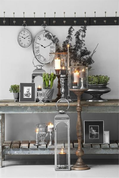industrial side table and candles...Stuen - klassisk » Lene Bjerre