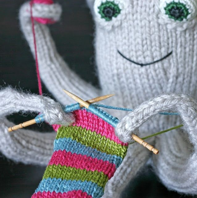The knitting octopus pattern! Craft ideas Pinterest Octopus, Knitting a...