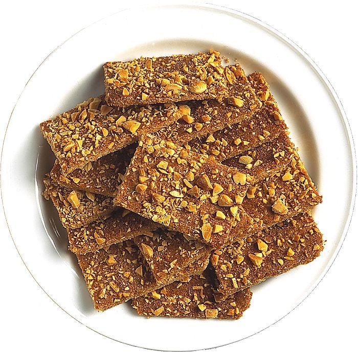 Möra småkakor som smakar av mandel och kanel passar bra till jul.