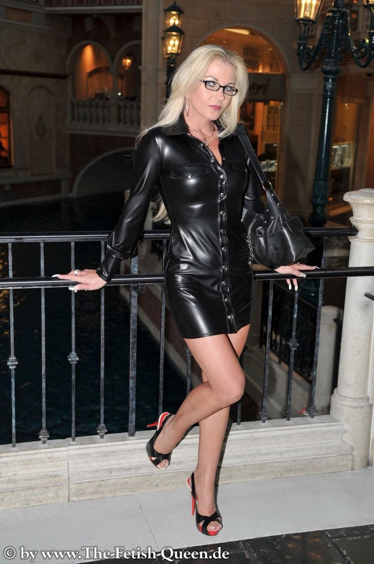 Heike Fetish Queen In Black Leather Buttoned Short Dress