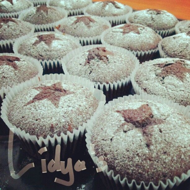 Rich chocolate muffin by lidyaop