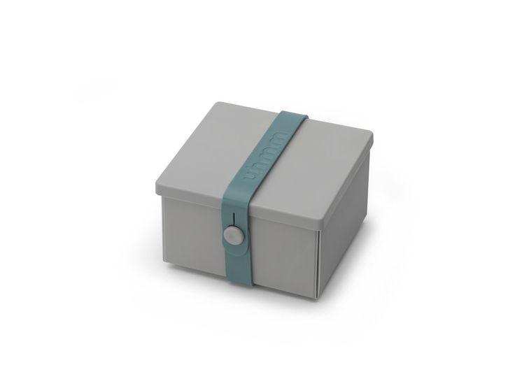 Uhmm Box er den moderne opbevaringsboks, som er nem at folde ud til en flad tallerken, der let kan gå i opvaskemaskinen, micro-ovn eller fryser. Uh...