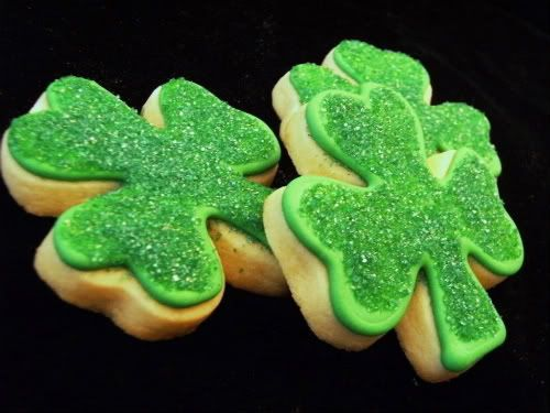 shamrock sugar cookies: Sparkly Shamrock, Shamrock Sugar, Clovers Cookies, Sugar Cookies, Shamrock Cookies, St. Patrick'S Day, Irish, Happy St., Holidays Desserts