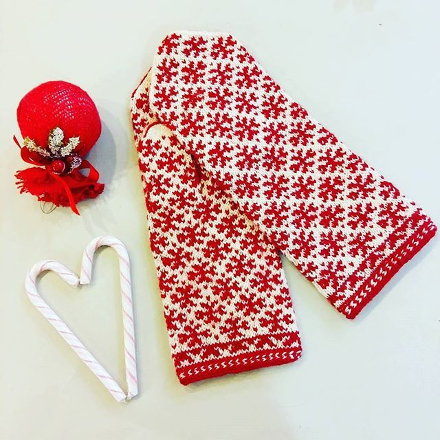 First online shop orders this year are all about ethnographic mittens and socks ❤❄ Keep your beloved ones warm with our hand knitted gloves and other must- have winter accessories WWW.TINES.LV ✨WORLDWIDE SHIPPING✨ #tinesshop #knitwear #knits #knitted #knittersofig #latvianmittens #knittedmittens #knitmittens #votter #vantar #mittens #mittenpattern #mitts #mittenaddiction #latviansymbols #latviansigns #latvjuraksti #woolgloves #ethnographic #handknitted #strikking #strikk #handarbeit #s...