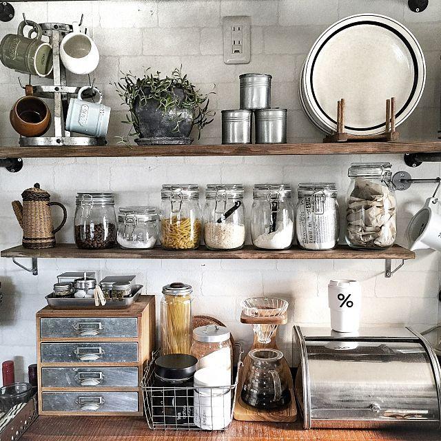 Kitchen,IKEA,DIY,キッチン,ディスプレイ,カフェ風,ニトリ,インダストリアル,見せる収納,mamaikuko,HARIO,男前,セルフリノベーション,ディナープレート,アメブロやってます♡,ガス管ウォールラック,インスタやってます♡,インディゴボーダー,ステンレスブレッドケースのインテリア実例 | RoomClip (ルームクリップ)