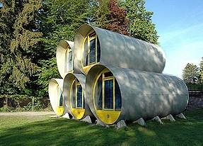 SwissTubes – ein einzigartiges Erlebnis im Modul Hotel.    Der ideale Ferienort ladet ein für sportliche und kulturelle Aktivitäten oder einfach Ruhe und Entspannung zu geniessen. Das Modulhotel ist dank seiner vorteilhaften Lage, der originellen Architektur und den günstigen Übernachtungstarifen ein besonders attraktives Angebot    http://www.eventlokale.com/de/SwissTubes-%E2%80%93-ein-einzigartiges-Erlebnis-im-Modul-Hotel_Bern_Gwatt-%28Thun%29-localityDetails-2539.html#
