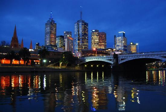 Melbourne is a major Australian city that many people choose to settle in.