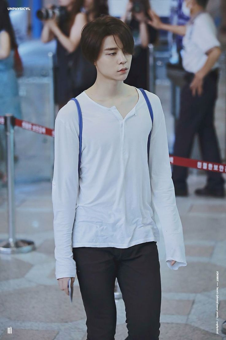 Johnny @ Gimpo Airport | NCT 엔씨티 | Pinterest | Airports