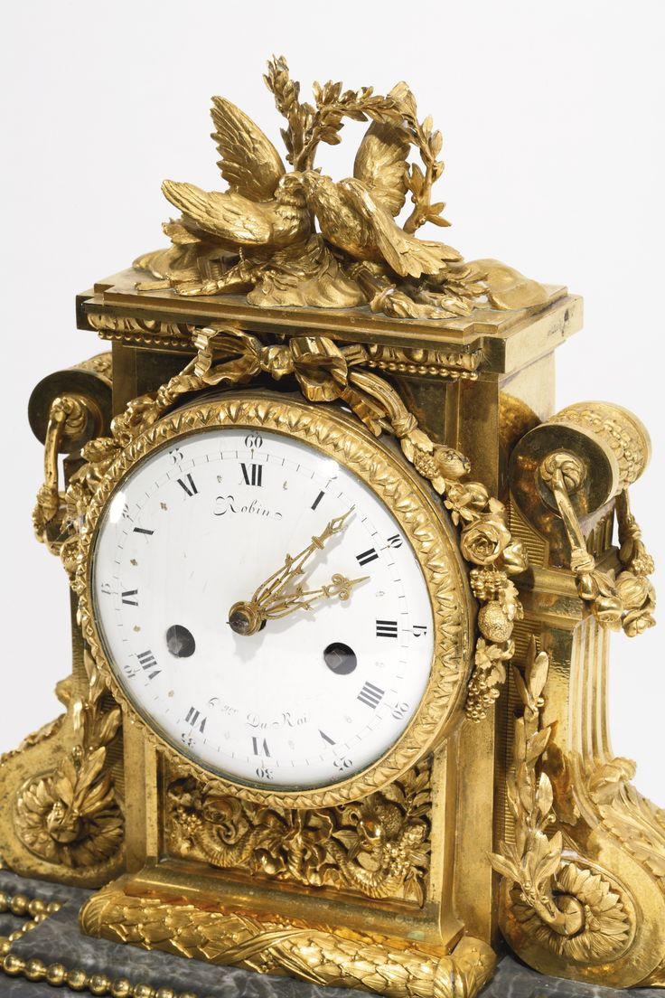 A LOUIS XVI ORMOLU MANTEL CLOCK, ATTRIBUTED TO JEAN-JACQUES LEMOYNE CIRCA 1785, THE DIAL SIGNED ROBIN HGER. DU ROI
