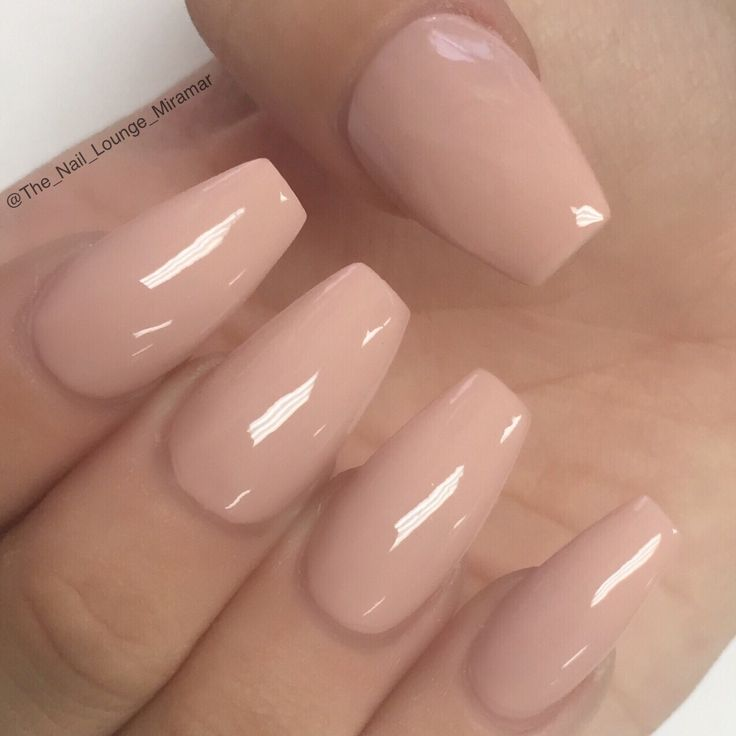 Simple nude coffin shape nails