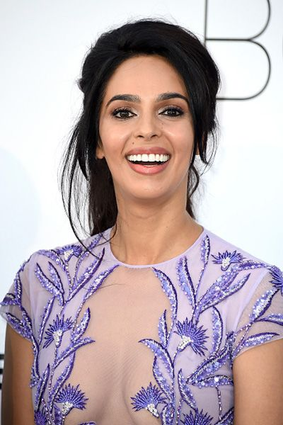 Best Pics Mallika Sherawat Wallpapers, Gorgeous Actress Smiling Close Up Face Photos, Images. Mallika Sherawat Biography Wiki, Height, Weight  Measurements, Age photoshotohlikes.info
