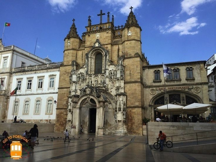 Considered as World Heritage by UNESCO, Coimbra is one of the most beautiful cities in the center of Portugal.