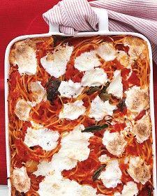 This new take on spaghetti is baked with fresh mozzarella, canned tomatoes, and aromatic basil for a crispy casserole main dish.: Spaghetti Squash, Maine Dishes, Baking Spaghetti, Mozzarella Recipe, Vegetarian Recipe, Martha Stewart, Bakedspaghetti, Fresh Mozzarella, Baked Spaghetti