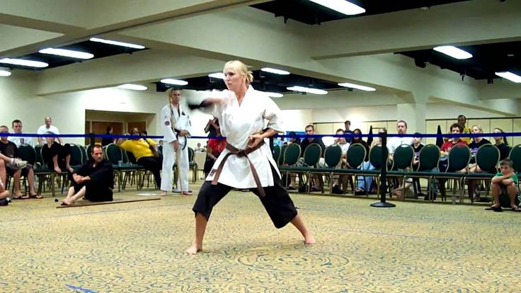 Karra Colgan Japanese War Fan Kata at USKA World Championships 2008