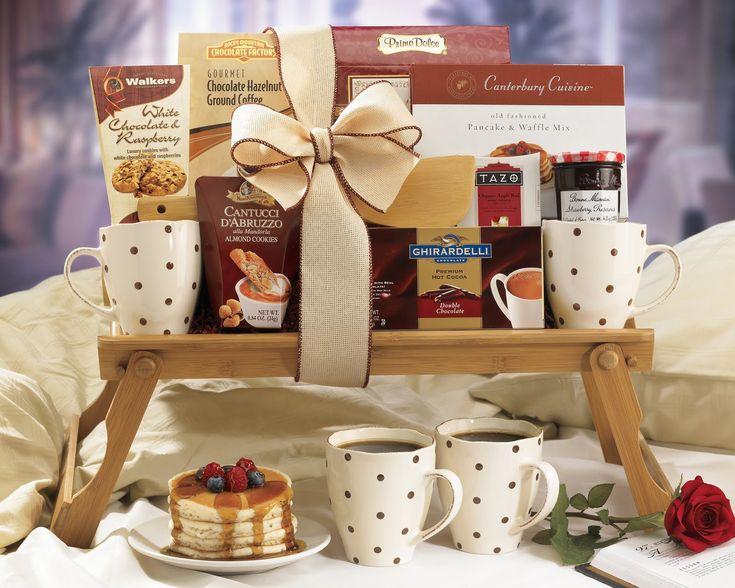 Breakfast in bed gift basket gift basket ideas for Breakfast in bed ideas