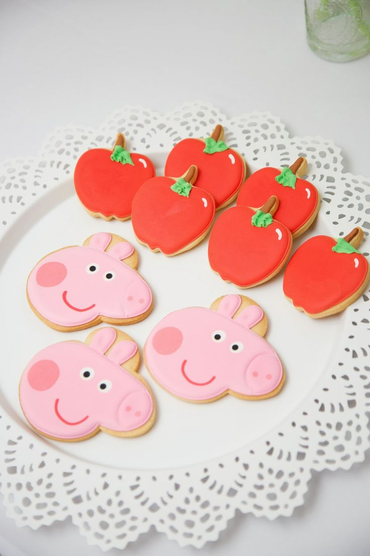 Cookies for a Peppa Pig Birthday Party