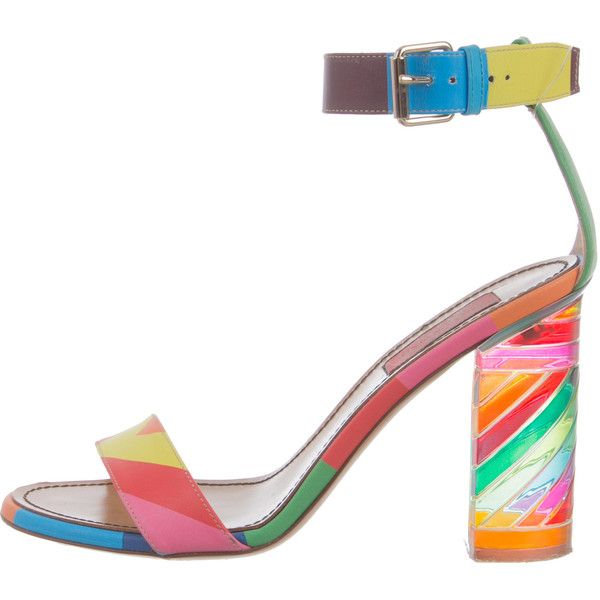 Pre-owned Valentino 1973 Leather Sandals ($745) ❤ liked on Polyvore featuring shoes, sandals, pattern prints, valentino sandals, multi colored shoes, chevron shoes, genuine leather shoes and valentino shoes