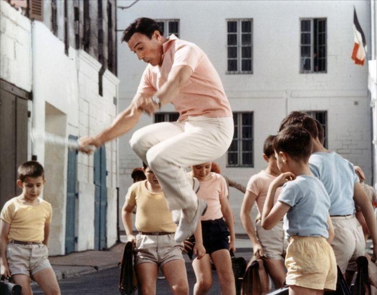 Gene Kelly in Les Demoiselles de Rochefort.