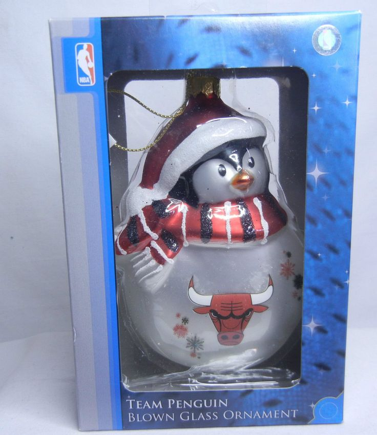 NBA CHICAGO BULLS TEAM PENGUIN HOLIDAY COLLECTION BLOWN GLASS CHRISTMAS ORNAMENT