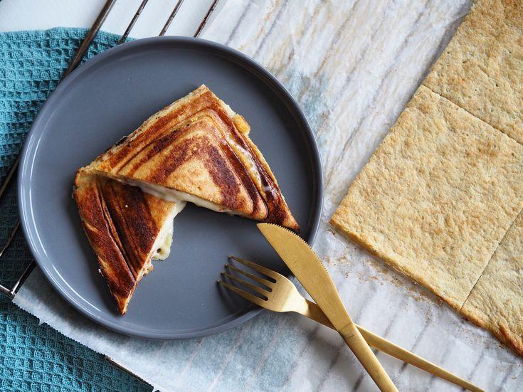 Grøntsagstoast uden mel, sukker og gluten - Kalorielet blomkålstoast. Både egnet til vægttab og LCHF | Sundheds og livsstils blog