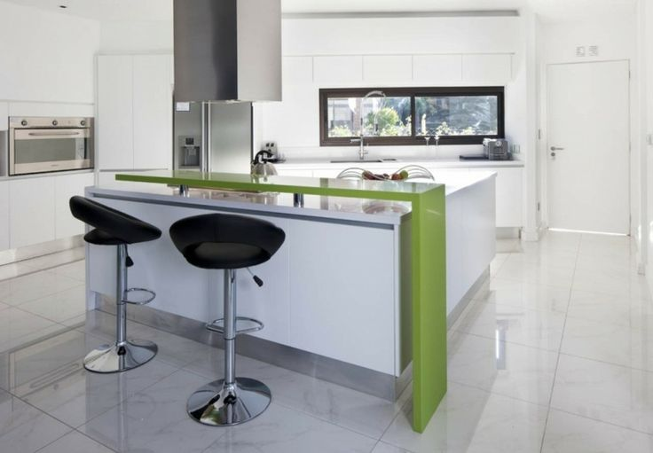 îlot central cuisine ikea tabouret noir design hotte aspirante aménagement cuisine moderne idée