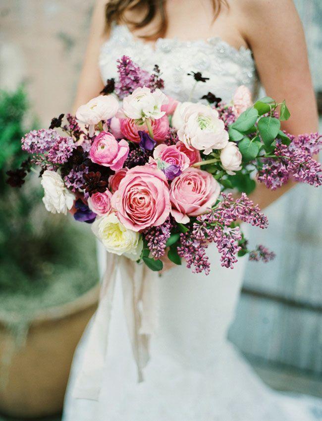 幸せが降り注ぐ*横幅いっぱいのお花が可愛い『シャワーブーケ』が素敵です♡にて紹介している画像
