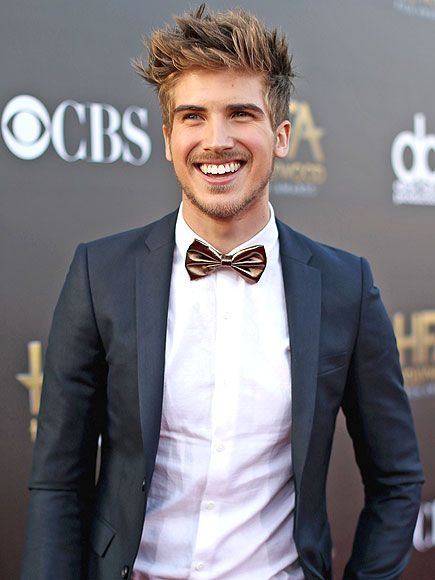 VIDEO: YouTube Star Joey Graceffa on How His Life Has Changed Since Coming Out http://www.people.com/article/joey-Graceffa-life-coming-out-stream-con