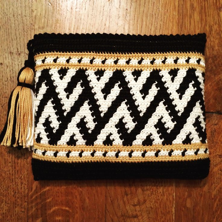 Clutch. oroginal Wayuu pattern