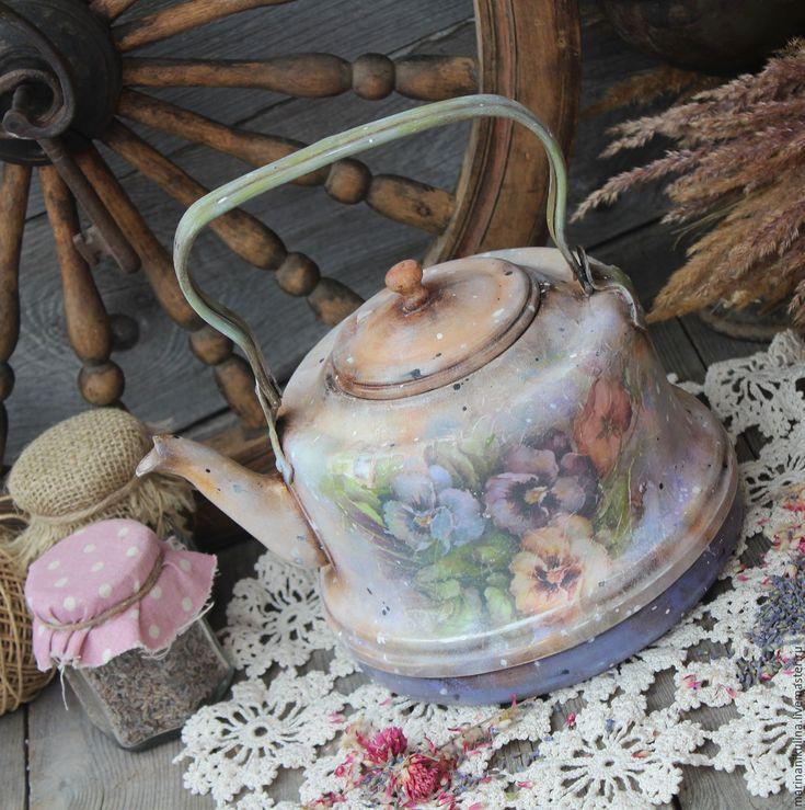 """Купить """"Провинциаль"""" чайник - васильковый, охра, желтый, сиреневый, фиолетовый, цветы, анютины глазки, анютки"""