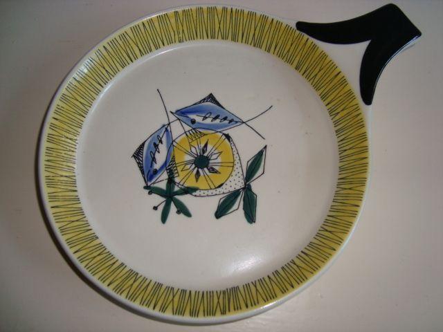 "STAVANGERFLINT ""Bambus"" - INGER WAAGE #trendyenser #stavangerflint #ingerwaage #bambus #retroporcelæn #retroporcelain #porcelain #dinnerware from www.TRENDYenser.com. SOLGT/SOLD"