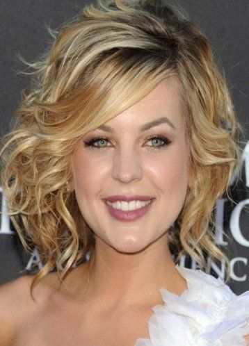 hairstyles with bangs for women over 40 | Stylish Short Haircuts For Women Over 40