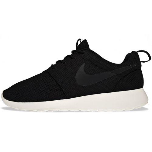 Geweldige schoenen de Nike Roshe Run Zwart zitten ongelooflijk comfortabel mannen die fashion belangrijk vinden in een retro look combi voor 2014. Uit de te gekke collectie deze heren Nike zijn natuurlijk snel leverbaar in maat 47 5.Nu te bestellen voor euro 89.95. Onge 16605 - Unisex X-KDS.com Online de BESTE merken.